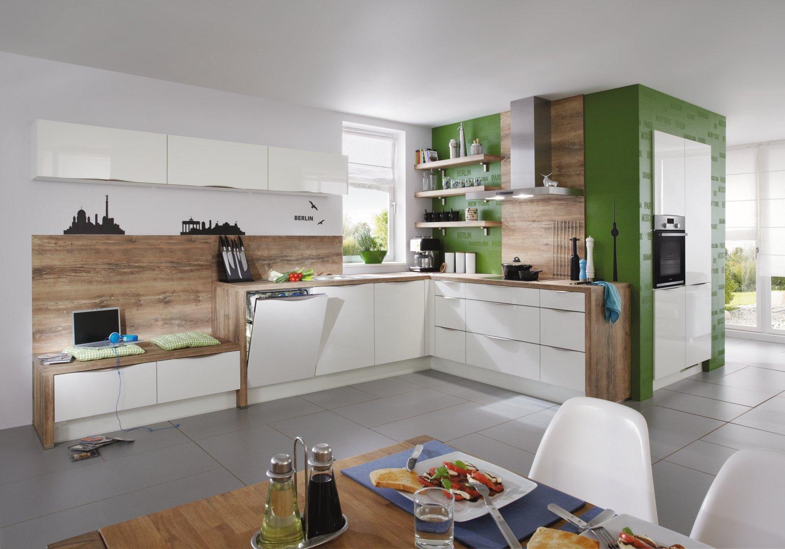 Otwarta, nowoczesna i ergonomiczne zaplanowana kątowo-narożna kuchnia na wymiar na planie litery L NOBILIA FOCUS 460 biały z ultra połyskiem, lakier - FM KUCHNIE Kraków