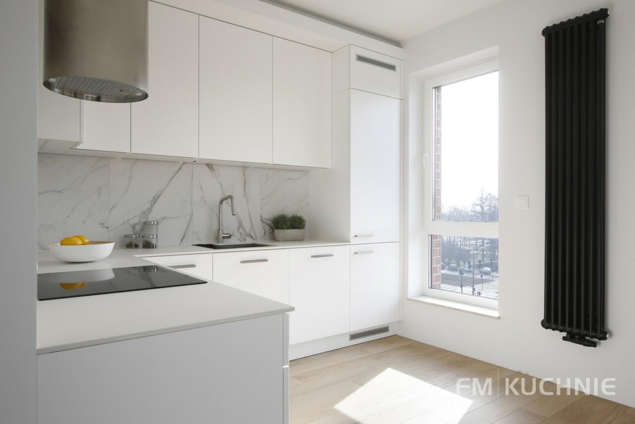 Kuchnia na wymiar WFM Calma lakier biały mat M101 z tradycyjnymi uchwytami - Meble kuchenne Kraków -3- FM KUCHNIE Kraków