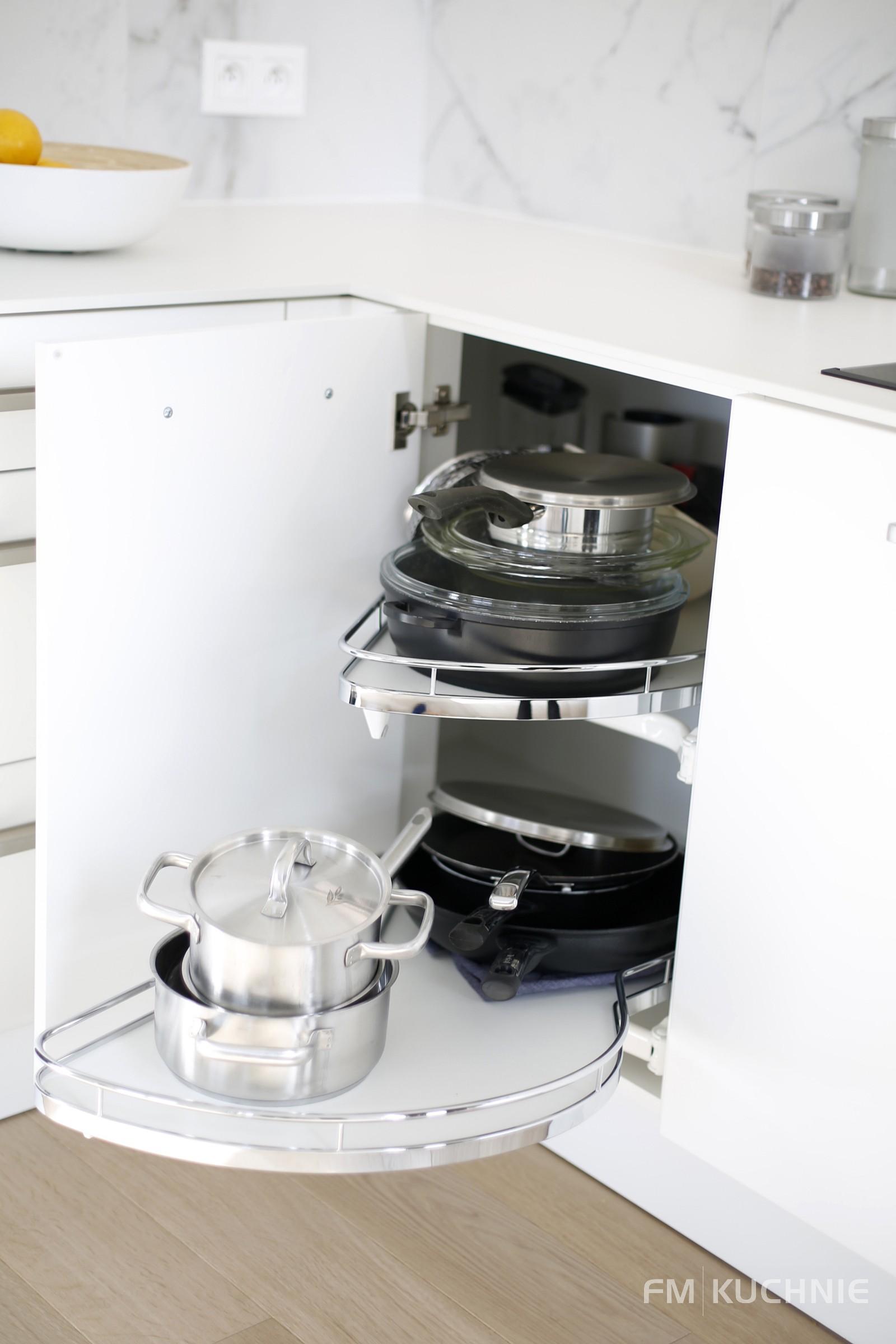 Kuchnia na wymiar WFM Calma lakier biały mat M101 z tradycyjnymi uchwytami - Meble kuchenne Kraków -11- FM KUCHNIE Kraków