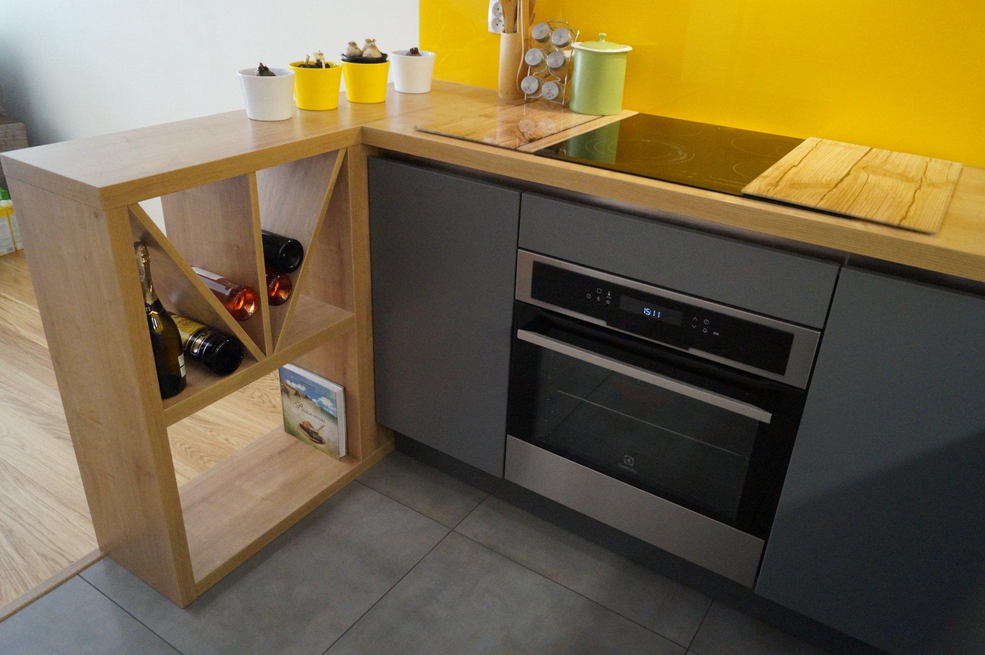 Kuchnia WFM Linea biały mat - Calma szary mat M112 - Meble kuchenne na wymiar Kraków, kuchnie na wymiar Kraków - WFM Kuchnie Kraków