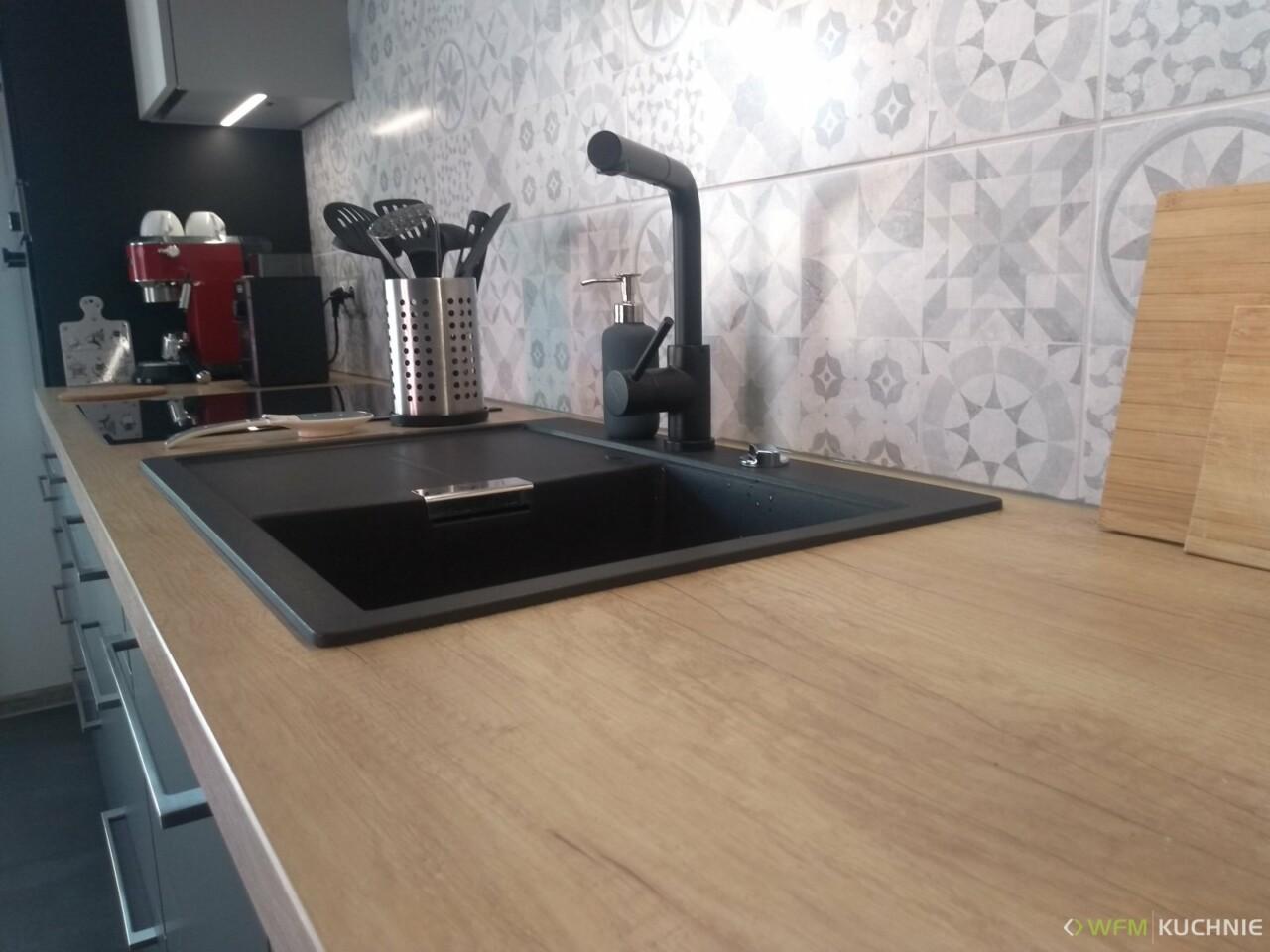 Kuchnie na wymiar WFM RASO czarny P76F - jasny szary P97F - Meble kuchenne Kraków - WFM KUCHNIE Kraków